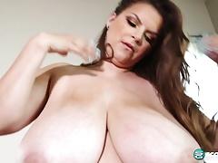 AG Solo boobbplay