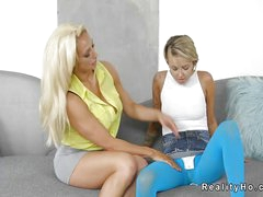 Teen inverted take blue tights licks Milf