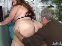 Plumper Jayden Main ingredient gets her sizeable ass sniffed
