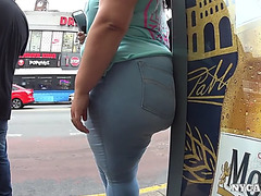 Bulky latin chick big beautiful non-specific phatty