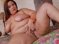 Fat Beautiful Woman extort money from jazmin torres