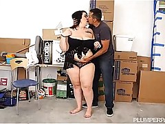 Brunette SSBBW fucked at the end of one's tether latino guy