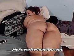 Thick Loot Mature BBW Showing Her Big Butt