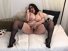 Hairy Pussy BBW Milf Plays with Pussy in Stockings