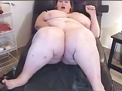 down in the mouth BBW masturbates on webcam
