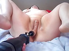 Broad in the beam MILF DildoSaw