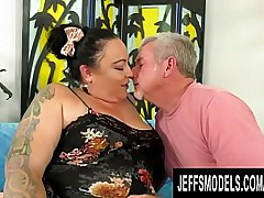 Thoughtless BBW Calista Roxxx Loves a Big Gumshoe