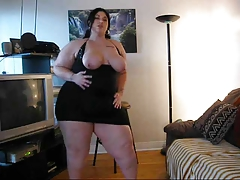 Thick Babe Stripping!!!