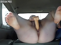 BBW Cushy FUCKS DILDO IN CAR